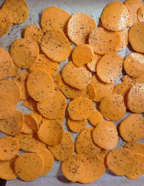 chips de patate douce au four crues