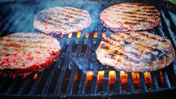 steak haché de boeuf pour pour un burger